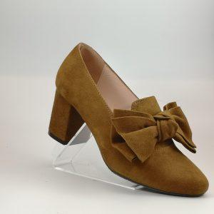 Zapato copete lazo camel