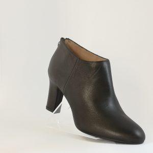 Zapato abotinado negro